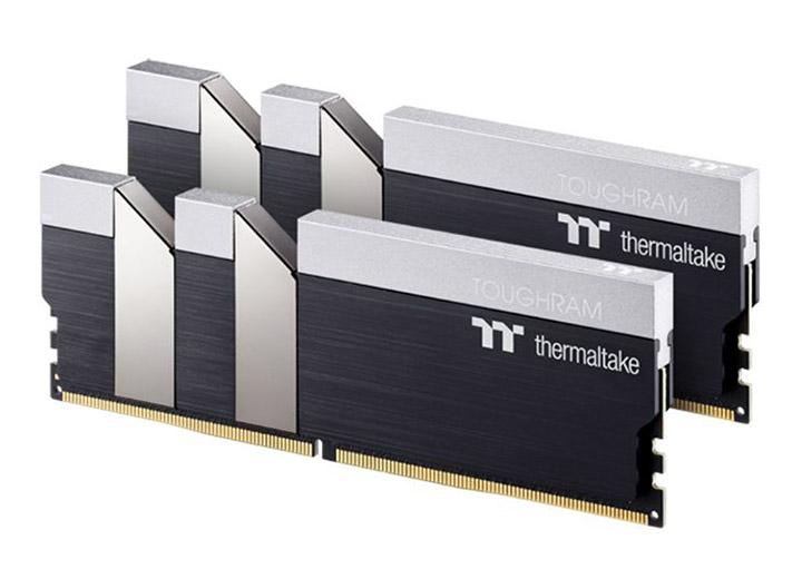 Thermaltake ToughRAM 16GB (2x8GB) 4400MHz CL19 DDR4 Black